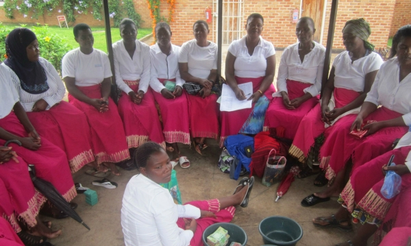 Malawi Women Combat Poverty with Village Banking Initiative